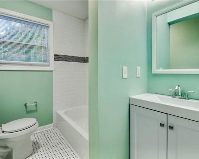 Belmont Cottage available for the Super Bowl Weekend!!! - Capitol View