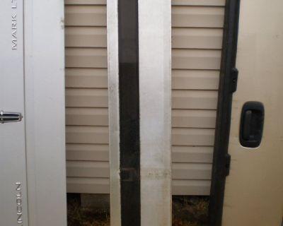 92 93 94 95 96 87 91 88 89 90 1996 ford bronco xlt tailgate panel trim molding