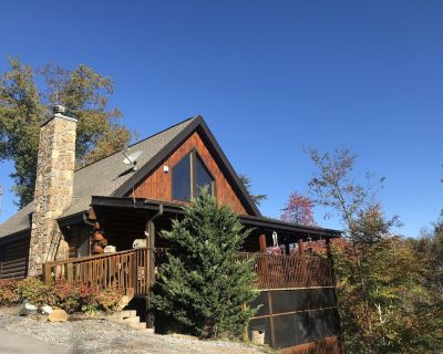 Beautiful Smoky Mountain Cabin On Douglas Lake with Private Dock - Sleeps 11 - Sevierville