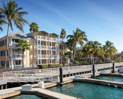 Offshore Boat Race Week - Two bedroom townhouse overlooking the harbor - Old Town Key West