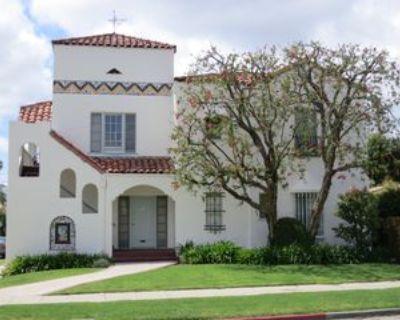 805 North Cherokee Avenue, Los Angeles, CA 90038 2 Bedroom Apartment