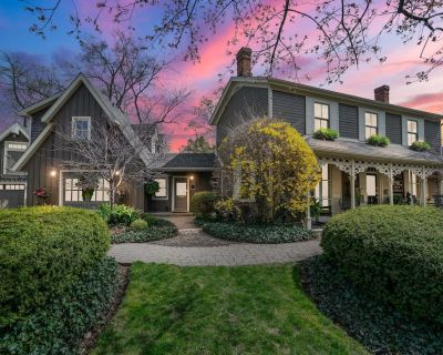 NEW Beautiful historic home in the heart of the Old Town, Niagara On The Lake. - Old Town Historic District