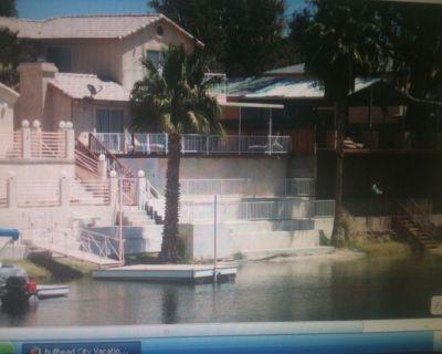 Colorado River house, private sandy beach, 10 minutes from Laughlin casinos. - Bullhead City