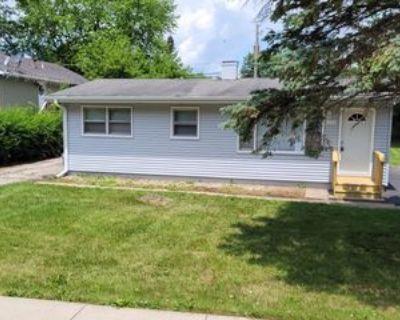 526 E Shorewood Rd #1, Round Lake Beach, IL 60073 3 Bedroom Apartment