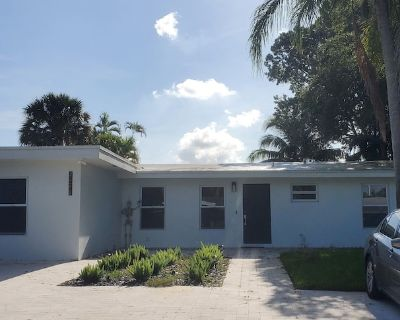 Impeccable waterfront home with a backyard pool and beach within 5 minutes. - Lauderdale Isles