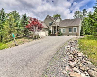 NEW! Large Family Home Near Pocono Lake w/ Deck! - Pocono Pines