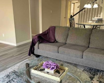 Private room with own bathroom - Houston , TX 77088
