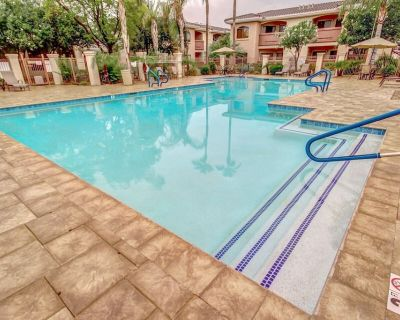 Remodeled - 2 King beds ground floor-close to Pool and gas grill - Maryvale Village