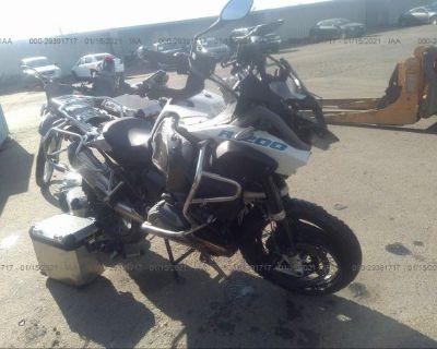 Salvage White 2015 Bmw R1200