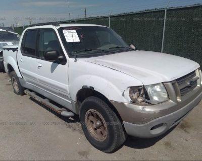 Salvage White 2001 Ford Explorer Sport Trac