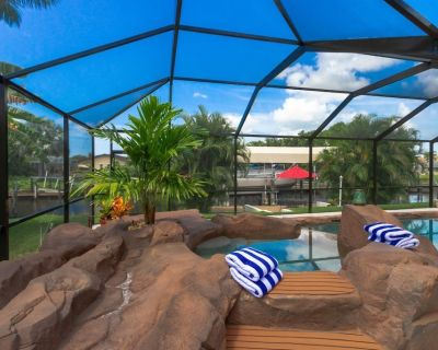 Sunset Lagoon - Rock Pool With Jacuzzi in Walking Distance to Yacht Club - Yacht Club
