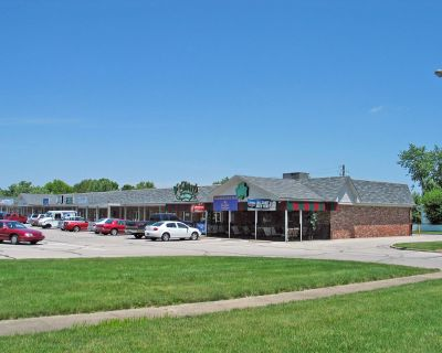 Meadowood Shopping Center