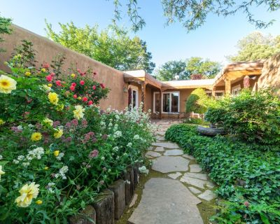 Private and Peaceful Albuquerque Hacienda - Northeast Heights