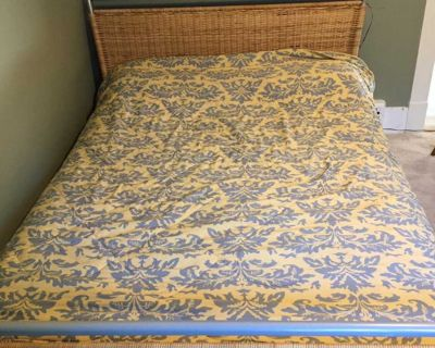 Double mattress with Nordic/wicker frame