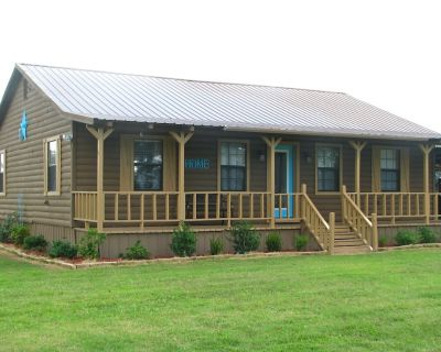 Clean, Comfortable, Cozy Country Cabin -WELCOME BACK!! RE-OPENING 1/21/21 - Lamar County