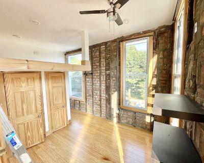 Bushwick Room - Private Bath - Loft - Roof Deck
