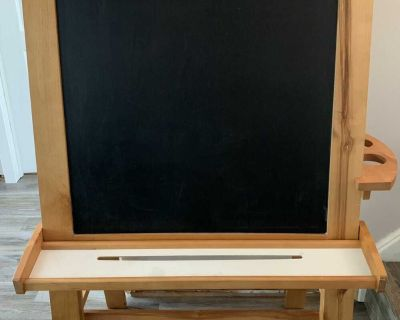 Wooden Painting Easel - Chalkboard and Magnetic White Board