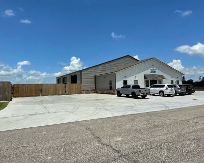 +/- 7500 SF Office/Warehouse with Yard off Hwy 190