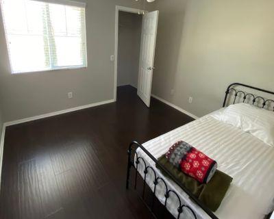 Private room with shared bathroom - Murrieta , CA 92562