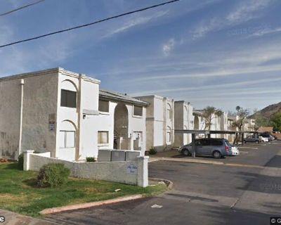 4 plex all 2 bedrooms in N Phoenix