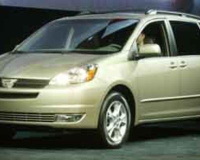 Pre-Owned 2004 Toyota Sienna LE FWD 4D Passenger Van