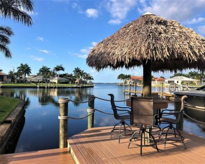 Excl. Luxury villa * Top * South facing pool * Jacuzzi * Wireless * boat dock * Tiki Hut * - Yacht Club