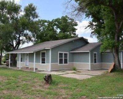 7339 Schultz Rd, Elmendorf, TX 78112 3 Bedroom Apartment