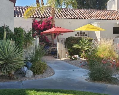 Mission Hills Lakefront Condo with mountain views - Rancho Mirage