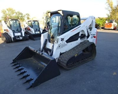 2012 Bobcat T650 COMPACT TRACK LOADER - 74.3 HP TURBO CHARGED KUBOTA DIESEL ENGINE (INTERIM TIER 4) - HVAC - SOUND REDUCTION CAB - POWER BOBTACH WITH ADVANCED CONTROL SYSTEM - WITH 2733 HOURS