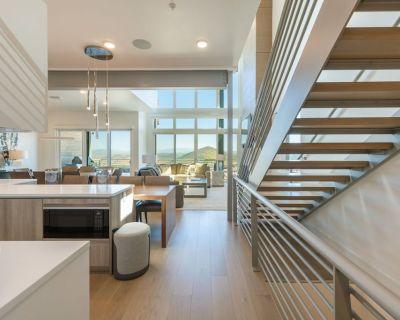 Elevated Living Slopeside Mountain Luxury 4 Bedroom+Den (5 bedroom) Ski In - Park City