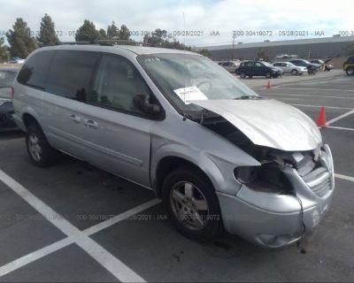 Salvage Silver 2007 Dodge Grand Caravan