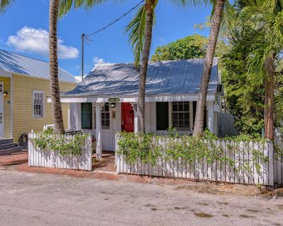 Tobago House - Historic Cottage Steps from Downtown Key West - Downtown Key West