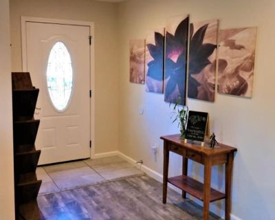 Private room with shared bathroom - Palo Alto , CA 94303