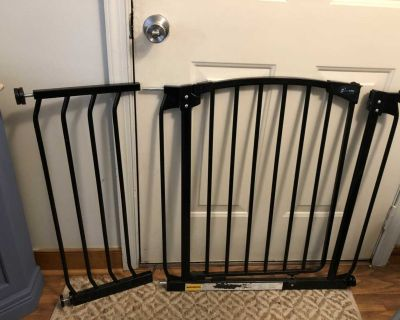 Tension, Dream Baby, safety gate, extends to approx. 42 , pickup in mechanicsville