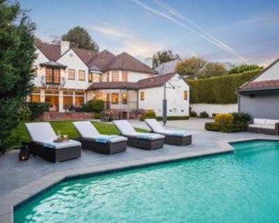 628 N Sierra Dr, Beverly Hills, CA 90210 6 Bedroom Apartment