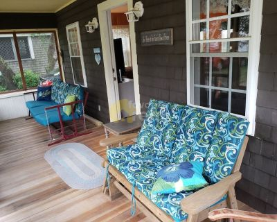 Beach cottage – 5 BR – Plymouth