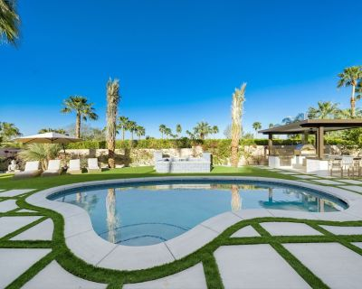 Entertainer's Hideaway with Pool, Jacuzzi, and Outdoor Kitchen - Magnesia Falls Cove