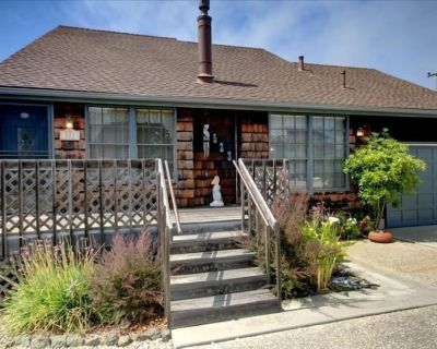 Pelican Cottage...Charming & Cozy Cambria Beach Home - Park Hill