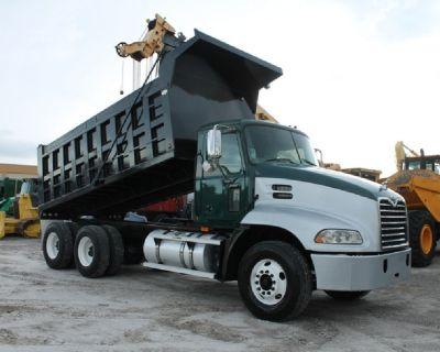 $5,730 Down / Tandem Axle Dump Truck / 776k Miles