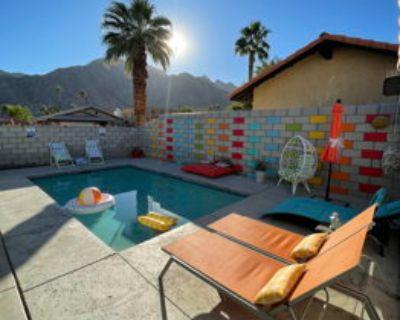 Retro colorful la Quinta ,Mountain View, heat pool