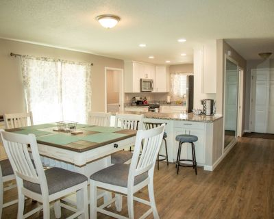 Centrally located beautiful remodeled house with 3 bedrooms, 2 bathrooms. - Loma Del Rey
