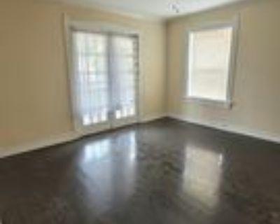 2716 Tracy Ave #3S, Kansas City, MO 64109 2 Bedroom Apartment