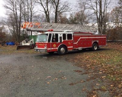 1985 E-One Hurricane Ladder Truck