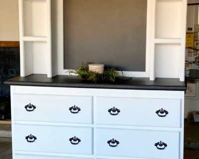 Gorgeous Farmhouse Dresser/Hutch With Chalkboard, Black And White
