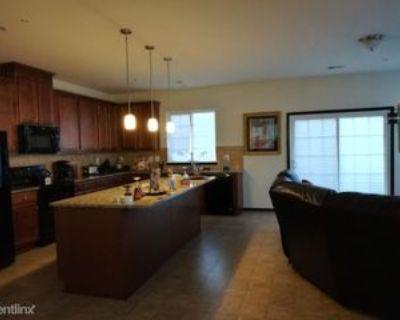 Mason Creek Cir, Woodbridge, VA 22191 3 Bedroom Condo