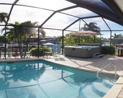 HOT TUB, Saltwater Htd Pool, Spacious, No contact arrival, sanitized, 94 reviews - Caloosahatchee