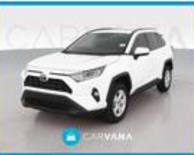 2019 Toyota RAV4 White, 22K miles