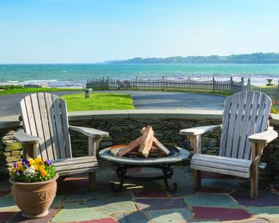 Beachfront Large Updated Family Home: Pool and Jacuzzi - Easton's Point