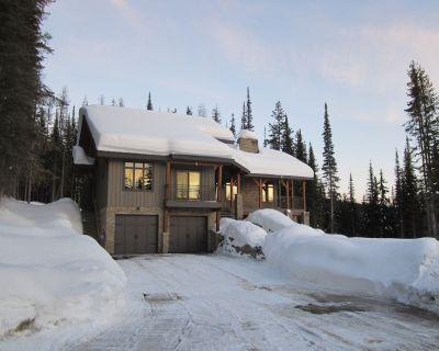 Ski In/Ski Out & Snowmobile parking,1Bedroom Suite Mountain View Home,Sun Peaks - Sun Peaks