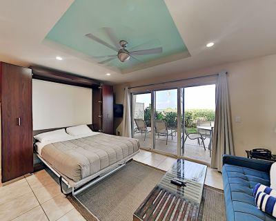Updated Beachfront Studio w/ Sparkling Pool, Breezy Patio & Modern Kitchen - Longboat Key